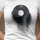 bum. bum. tschak. Vinyl Sandstorm T-Shirt Frauen Zoom